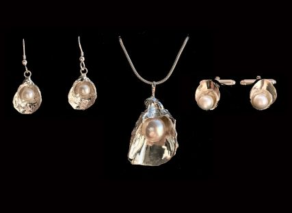 The Nare's set of Pearl in Oyster Shell Jewellery