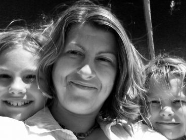 Katie Ashworth, Director at The Nare, and her two daughters.